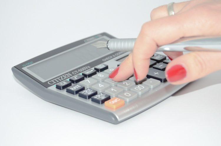 costos fijos y costos variables